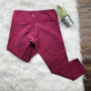 lululemon• bright red & blue wunder under cropped